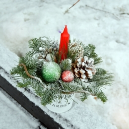 Новогодняя композиция со свечой